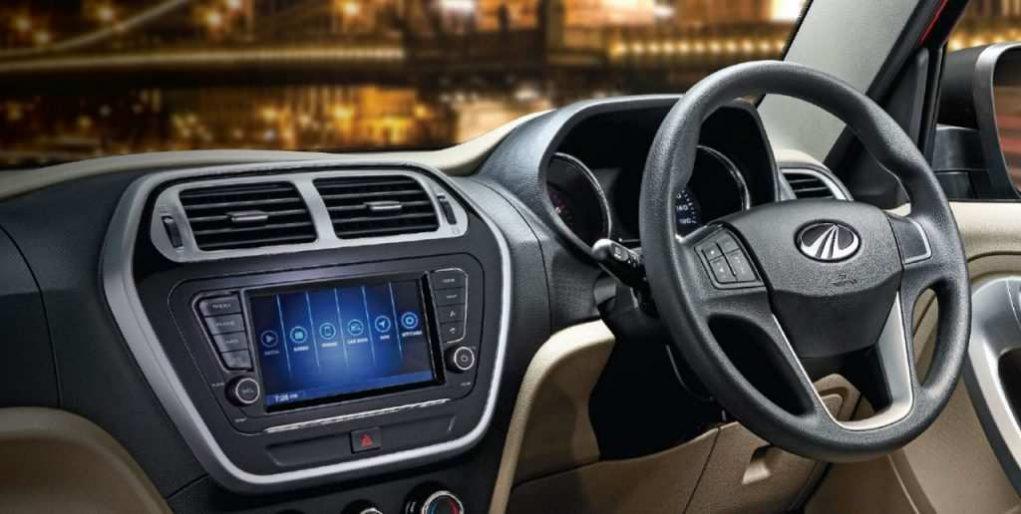 mahindra tuv300 t10 interior