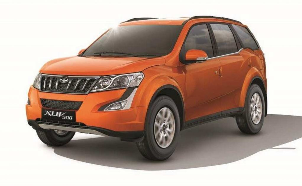 2017 Mahindra XUV500 W9 Launched In India - Price, Engine, Specs, Features