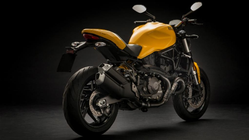 2018-Ducati-Monster-821-3.jpeg
