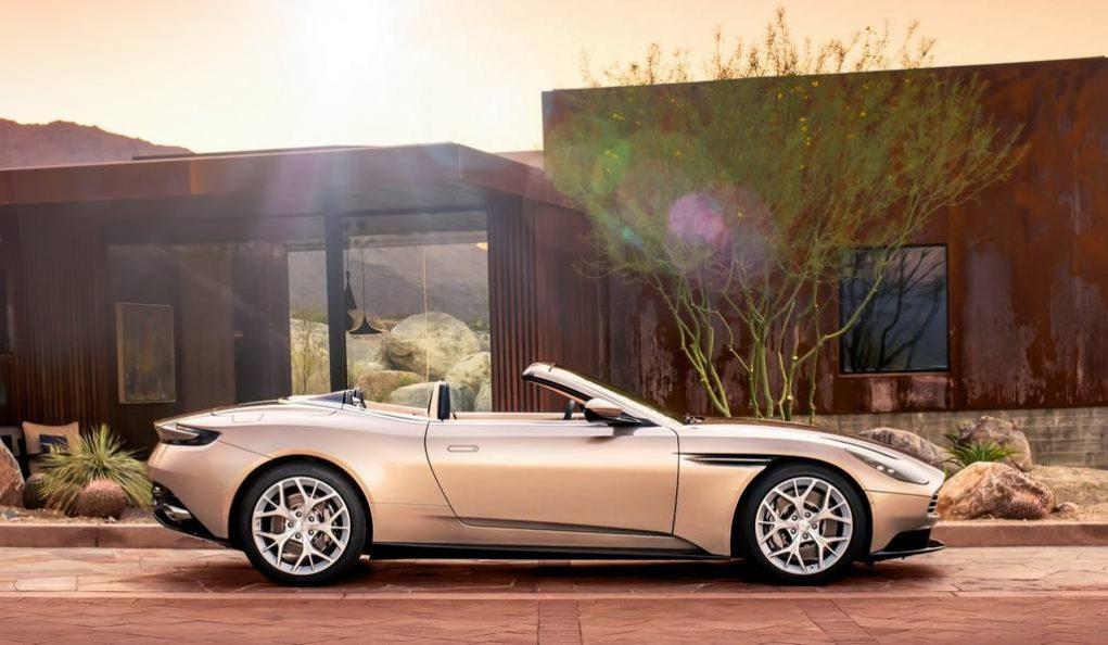 Aston Martin DB11 Volante 8