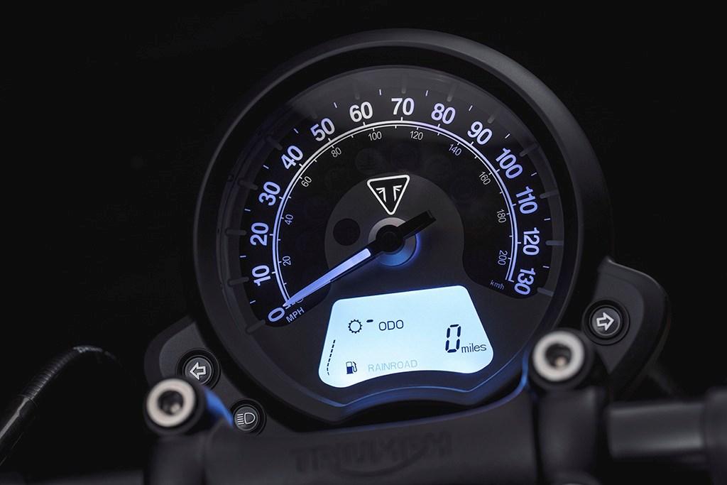 Triumph Bonneville Bobber Black Edition India Launch Price Specs