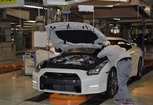 Nissan-GT-R-Production-1.jpg