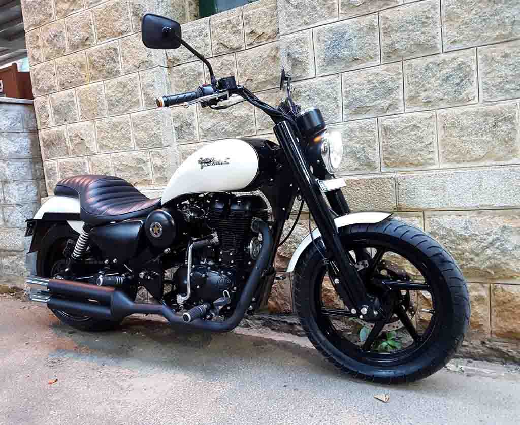 this royal enfield thunderbird 500 iron maiden looks gorgeous. Black Bedroom Furniture Sets. Home Design Ideas