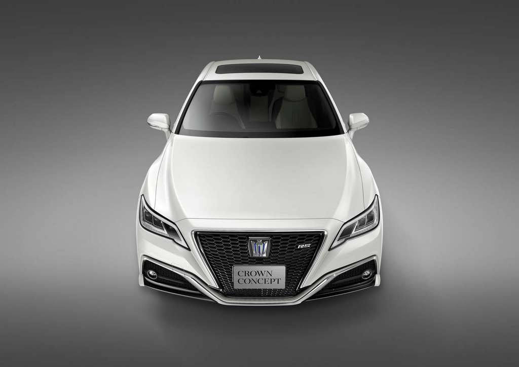 Toyota Crown Concept 1