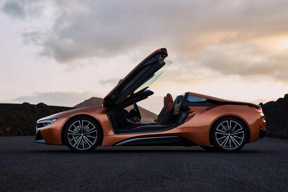 2018 BMW i8 Roadster Roof