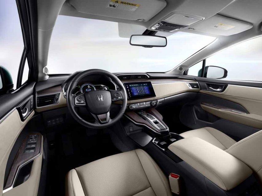 2018-Honda-Clarity-Plug-in-Hybrid-6.jpg