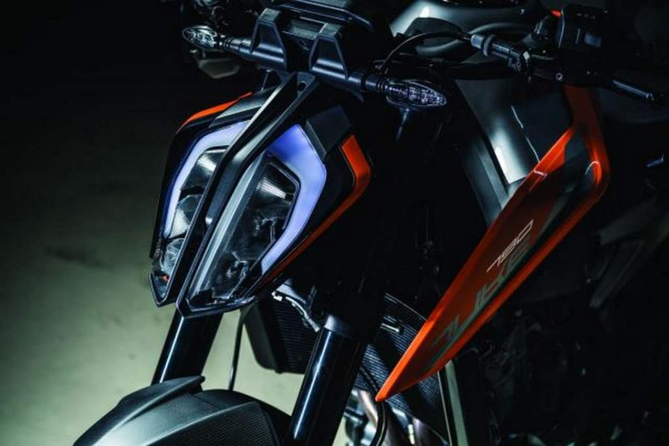 2018 KTM 790 Duke India Launch, Price, Engine, Specs, Features, Performance, Top Speed 1
