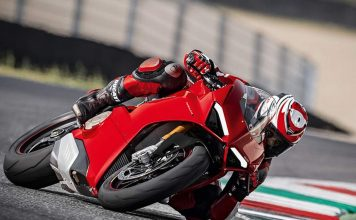 Ducati Panigale V4 Superbike Revealed - Price, Engine, Specs, Features, Performance 1