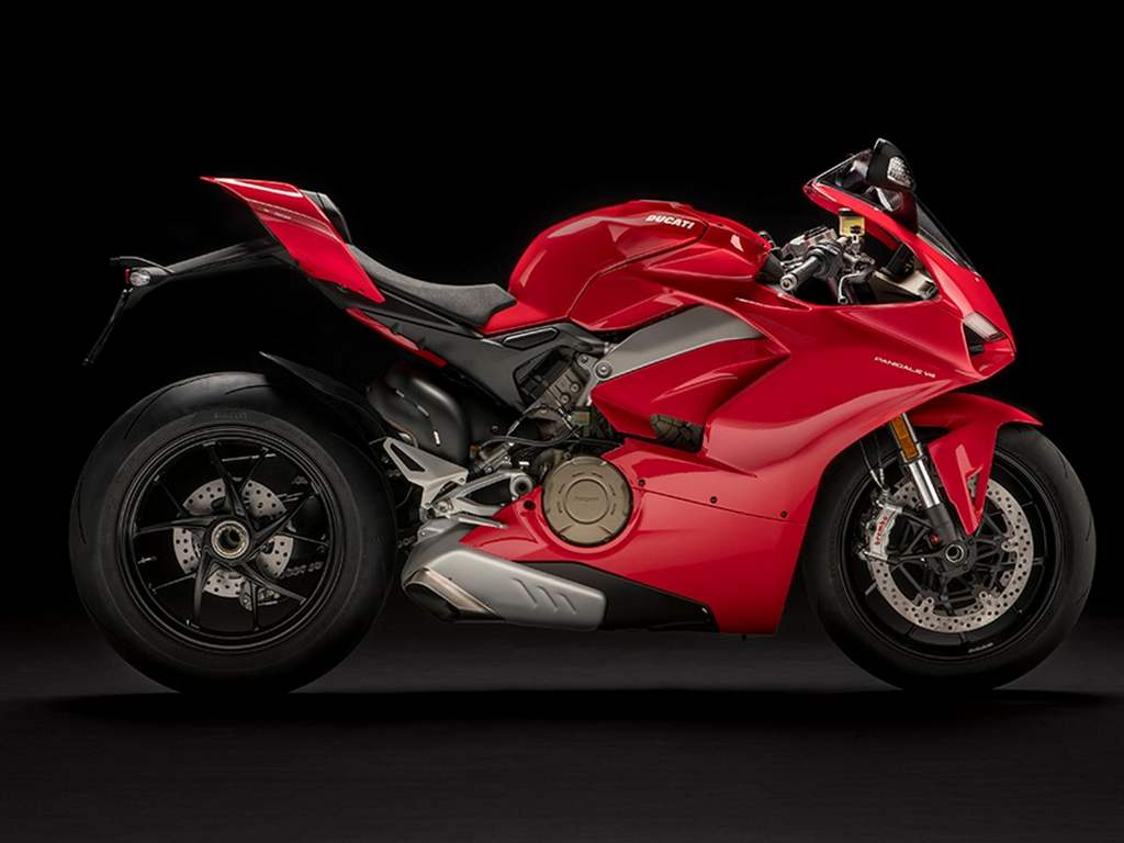 ducati panigale v4 superbike launched in india price specs top speed. Black Bedroom Furniture Sets. Home Design Ideas
