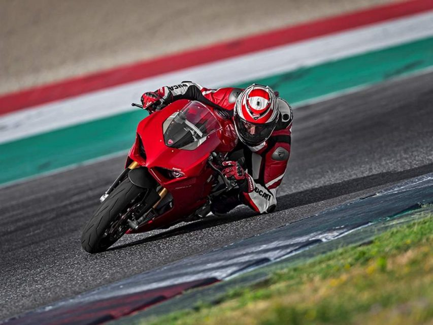 Ducati Panigale V4 Superbike Revealed - Price, Engine, Specs, Features, Performance 3