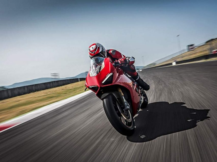 Ducati Panigale V4 Superbike Revealed - Price, Engine, Specs, Features, Performance 4