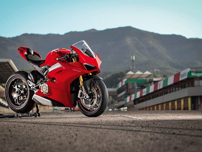 Ducati Panigale V4 Superbike Revealed - Price, Engine, Specs, Features, Performance