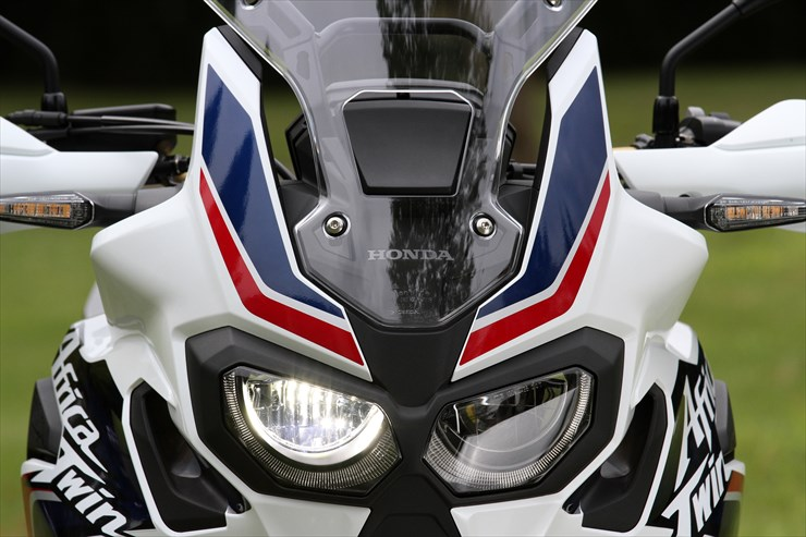 2018 honda africa twin launch price engine specs features. Black Bedroom Furniture Sets. Home Design Ideas