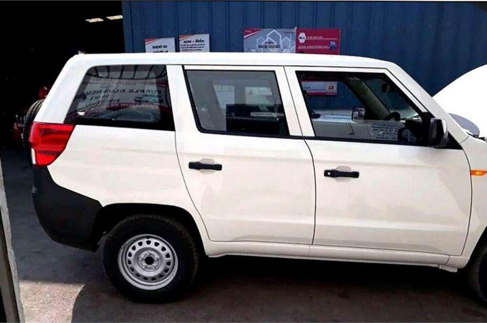 Mahindra TUV300 Plus 3