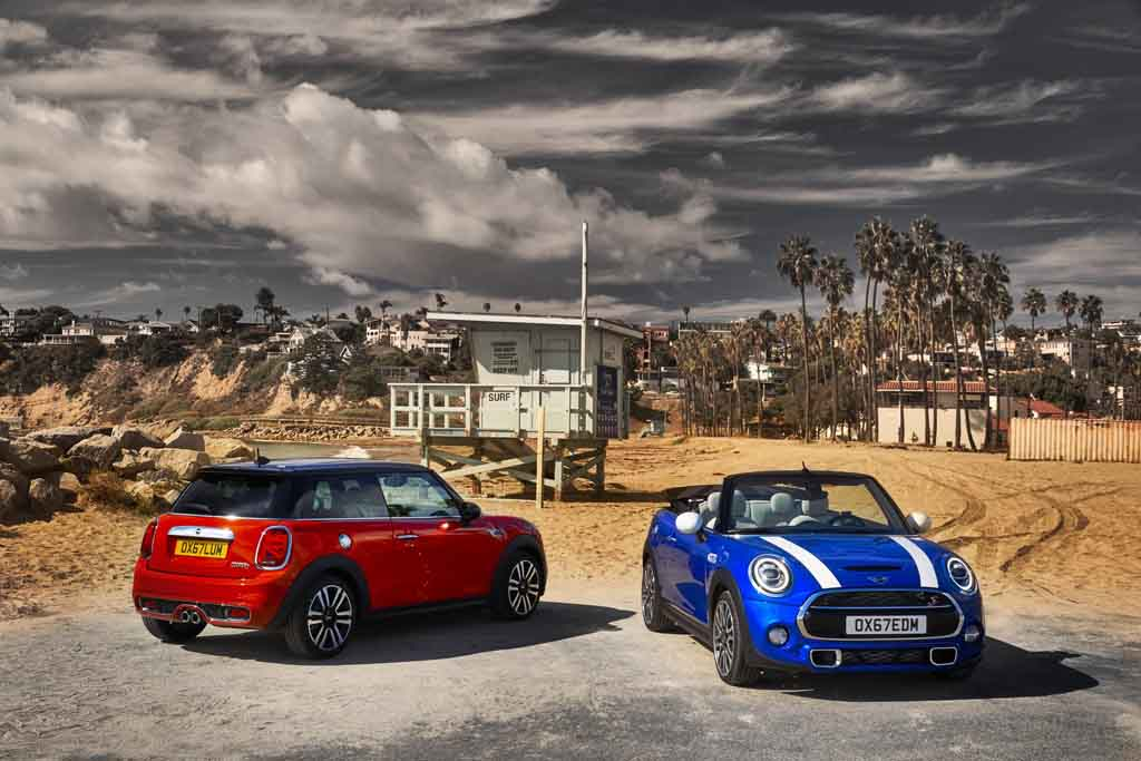 2019 mini hatchback and convertible unveiled ahead of detroit debut. Black Bedroom Furniture Sets. Home Design Ideas