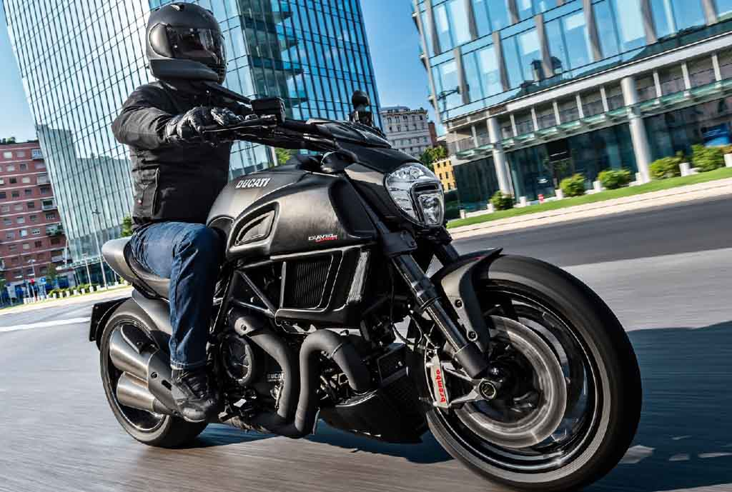 Ducati Diavel Carbon Euro Iv Launched In India Price Specs
