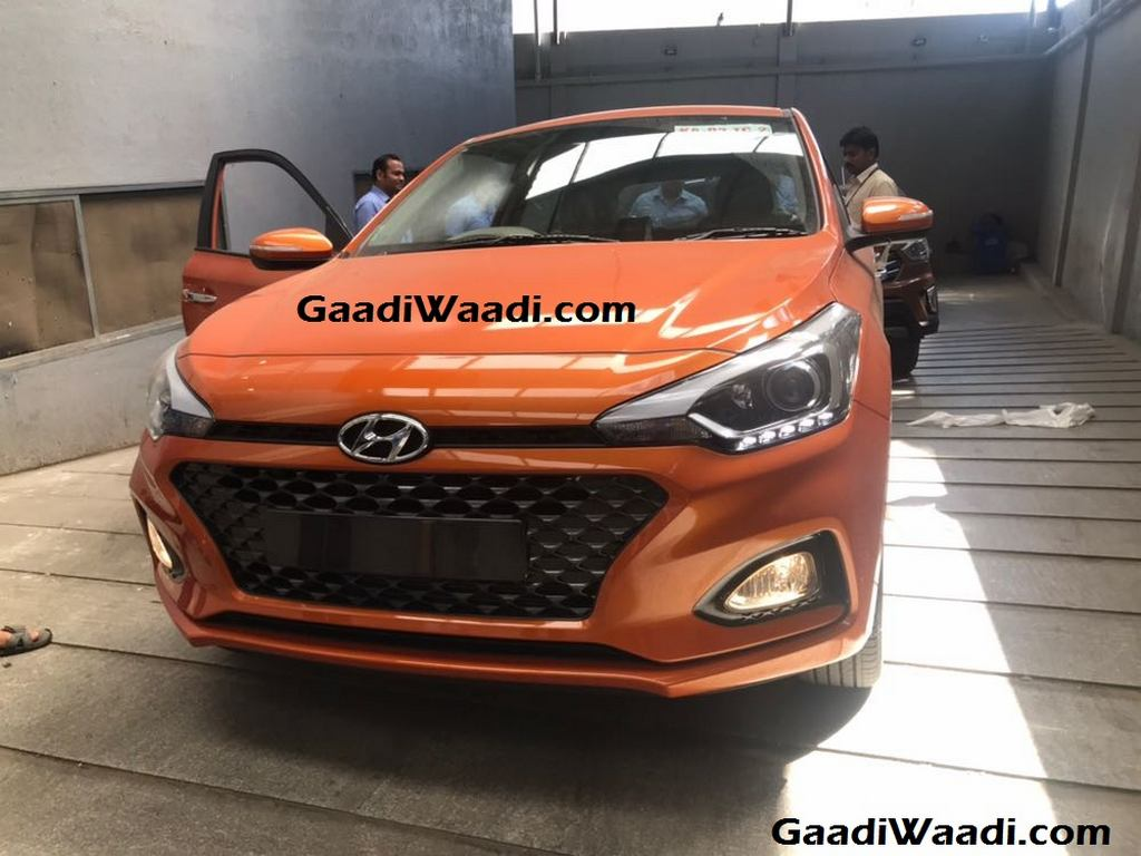 2018 Hyundai Elite i20 Facelift Spotted Undisguised In New Colour