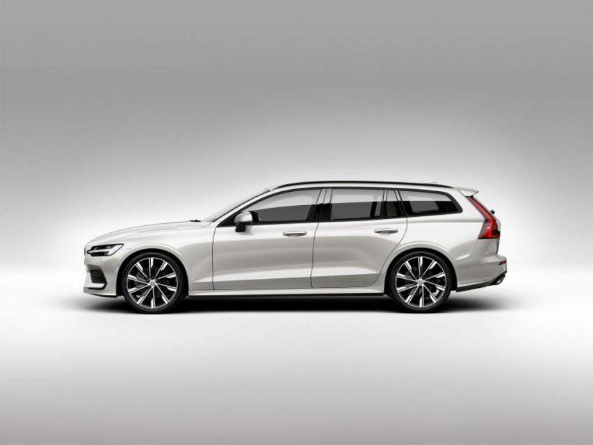 2018 Volvo V60 unveiled side