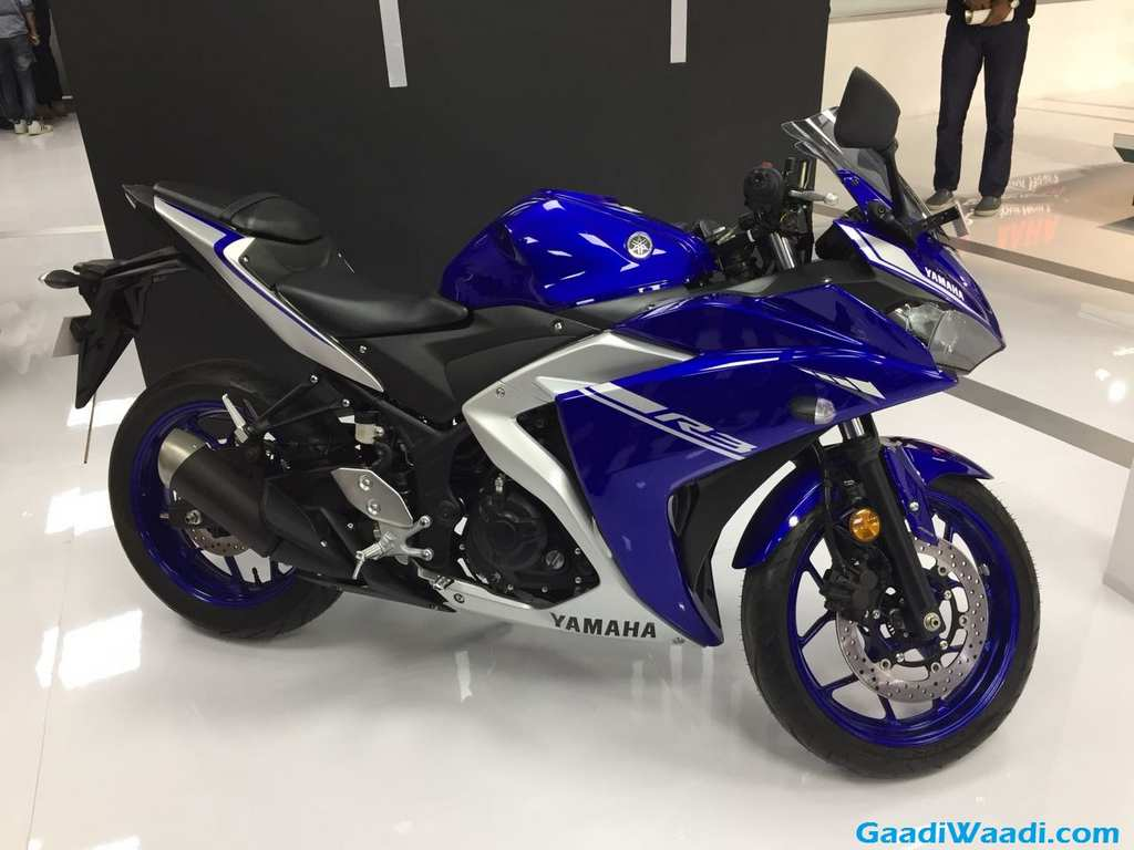 2018 auto expo: yamaha yzf-r3 bs4 launched in india at rs. 3.48 lakh
