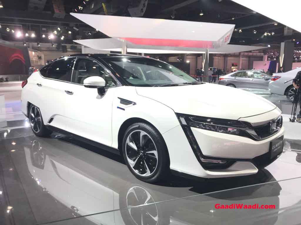 Honda-Clarity-FCV-2.jpg