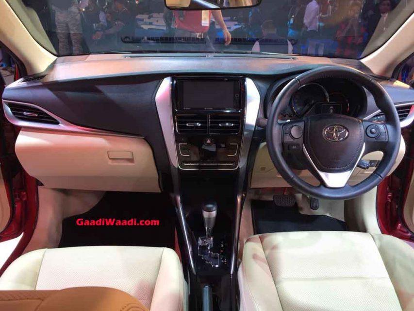 Toyota-Yaris-Dash.jpg