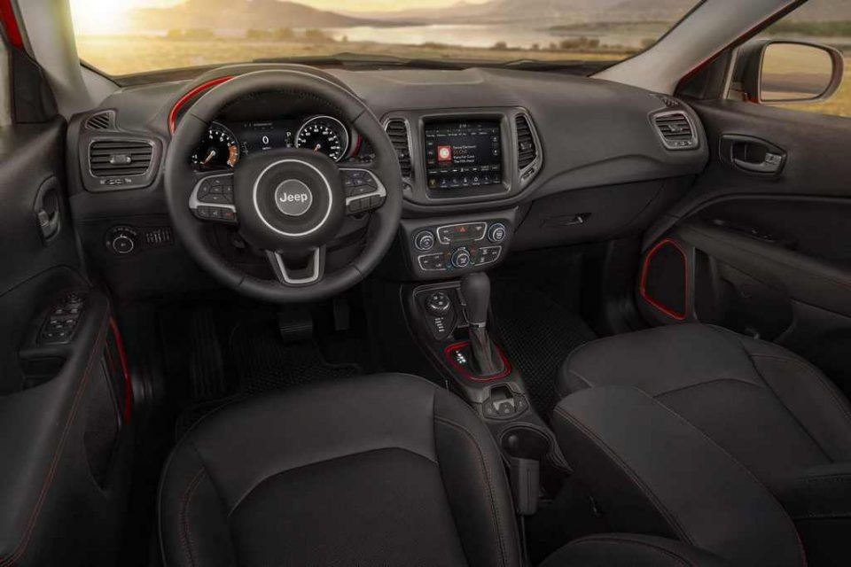 2018-Jeep-Compass-Trailhawk-Interior