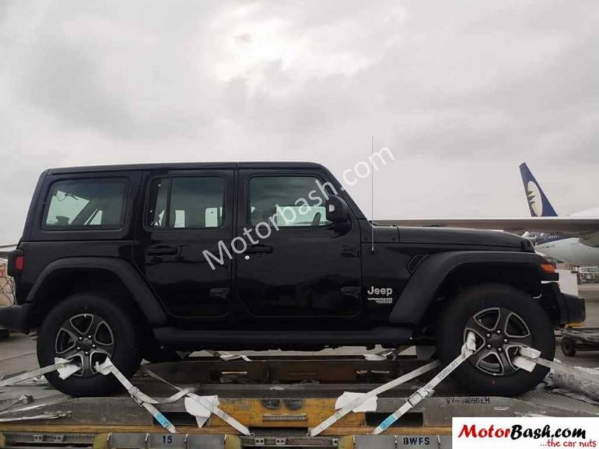 2018 Jeep Wrangler Two-Door And Four-Door Models Spied In India 1