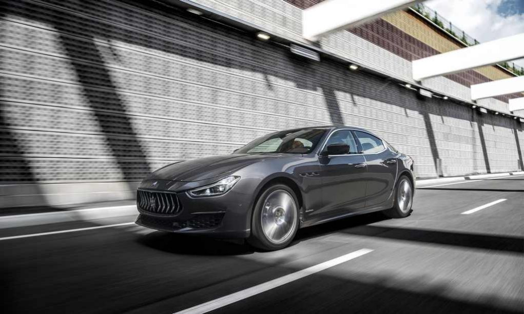 https://gaadiwaadi.com/wp-content/uploads/2018/03/2018-Maserati-Ghibli-Launched-In-India-Price-Engine-Specs-Top-Speed-Features-Interior-4.jpg