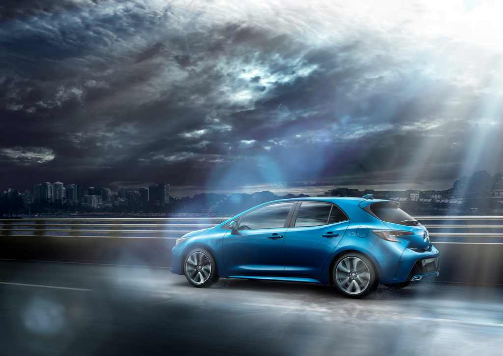 Toyota Corolla Hatchback to Debut in Geneva