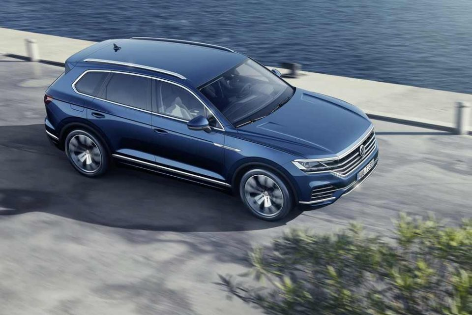 2019 Volkswagen Touareg Revealed Top View