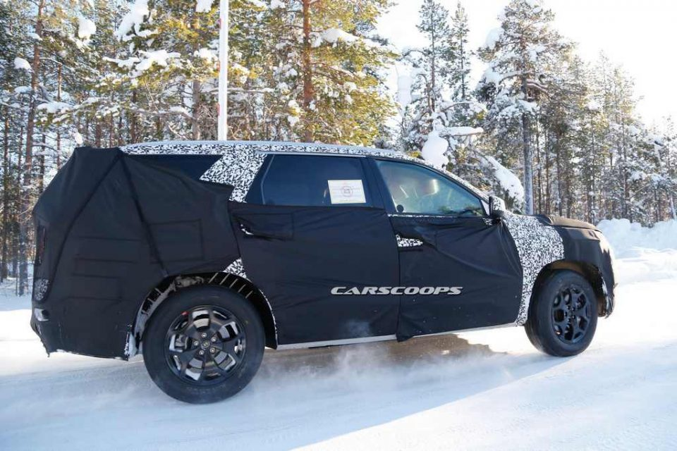 Upcoming Eight-Seat Hyundai SUV Spotted Testing 1