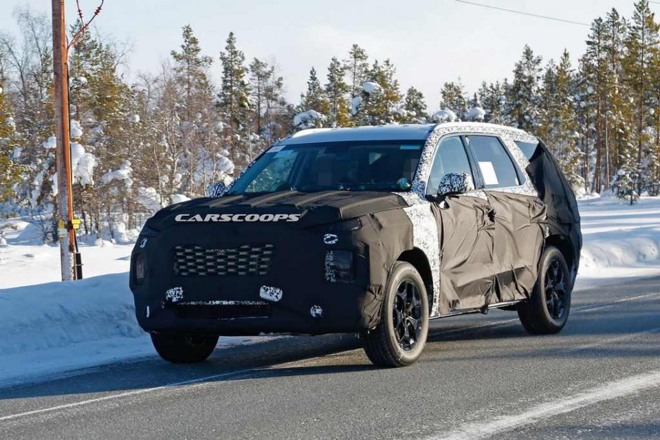 Upcoming Eight-Seat Hyundai SUV Spotted Testing 3