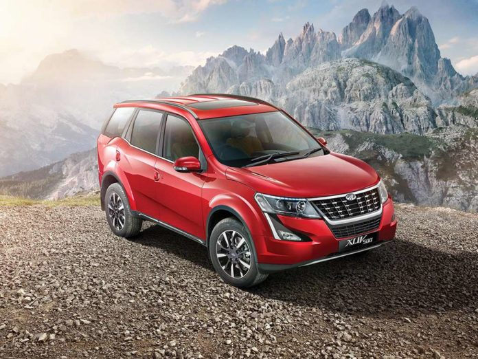 2018 Mahindra XUV500 Launched In India - Price, Specs, Images, Interior, Features, Updates 6 (Mahindra Hikes Price)