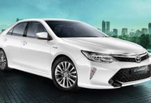2018 Toyota Camry Hybrid launched at Rs 37.22 lakh 3