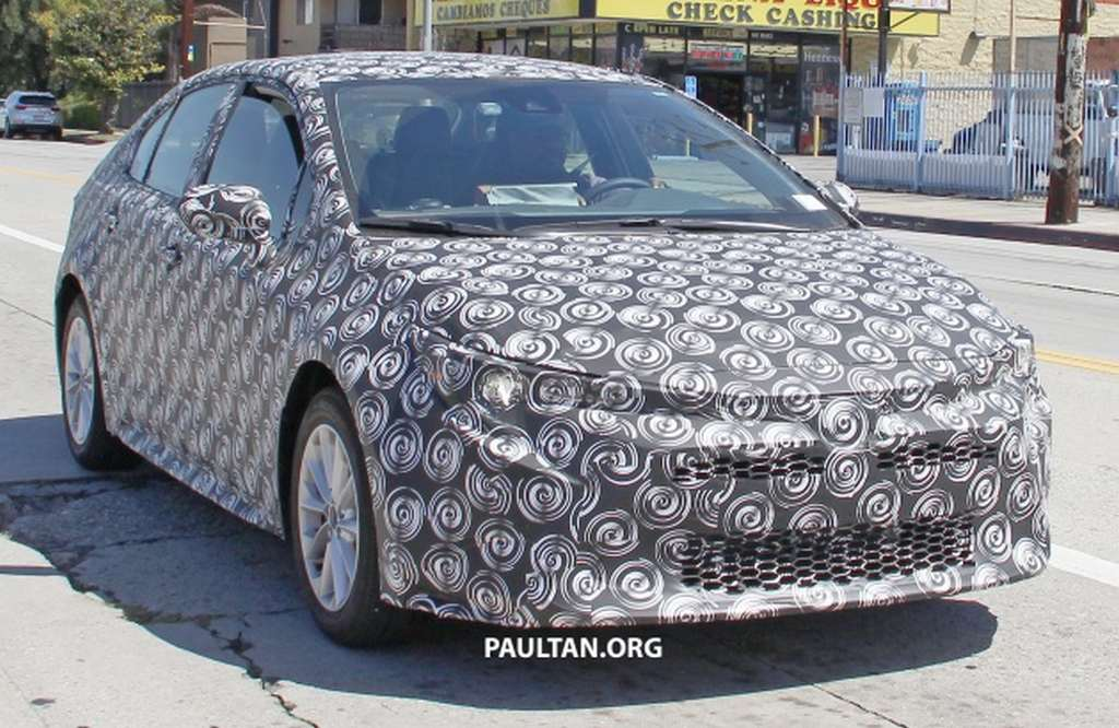 indiabound 2019 toyota corolla spied testing with sporty