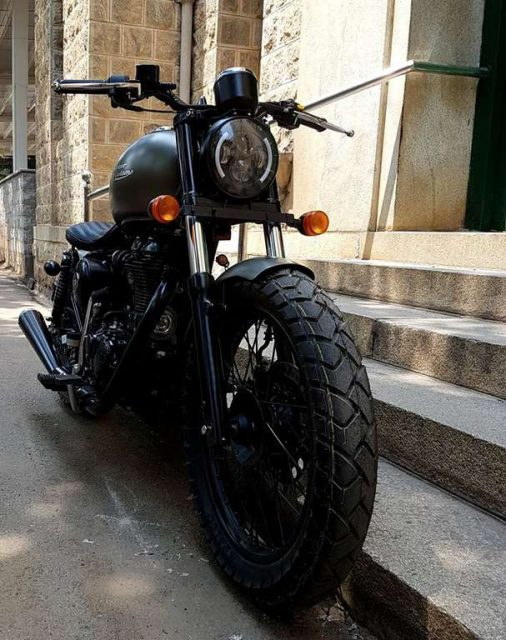 Bulleteer Customs Brat Bob based on Royal Enfield Thunderbird 350 1