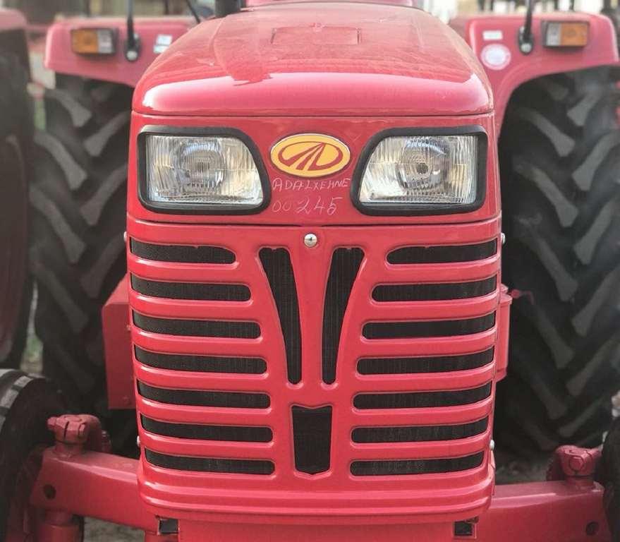 Mahindra tractor sales fy18