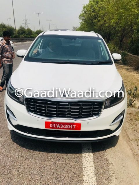 Kia Grand Carnival MPV (Innova Crysta Rival) Spied In India