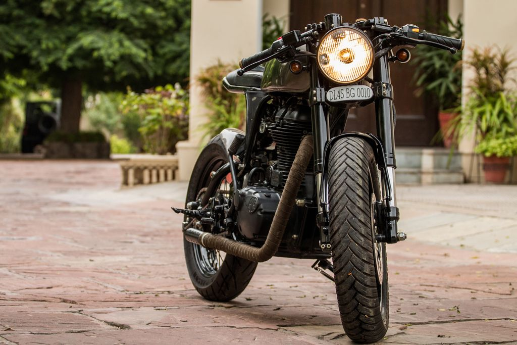 RE-500-Cafe-Racer-by-Rajputana-Customs-4