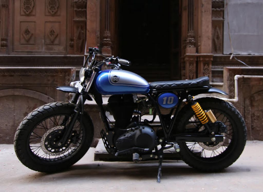 RE-500-Tracker-by-Rajputana-Customs-3
