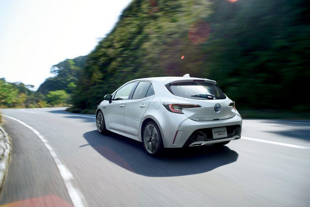2018-Toyota-Corolla-Sport-4