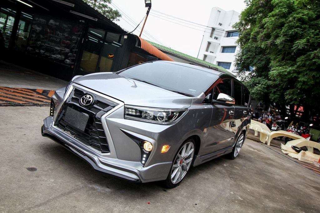 Customised-Toyota-Innova-with-Lexus-1