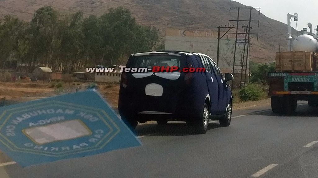 Mahindra-U321-spied-with-production-body-panels-2
