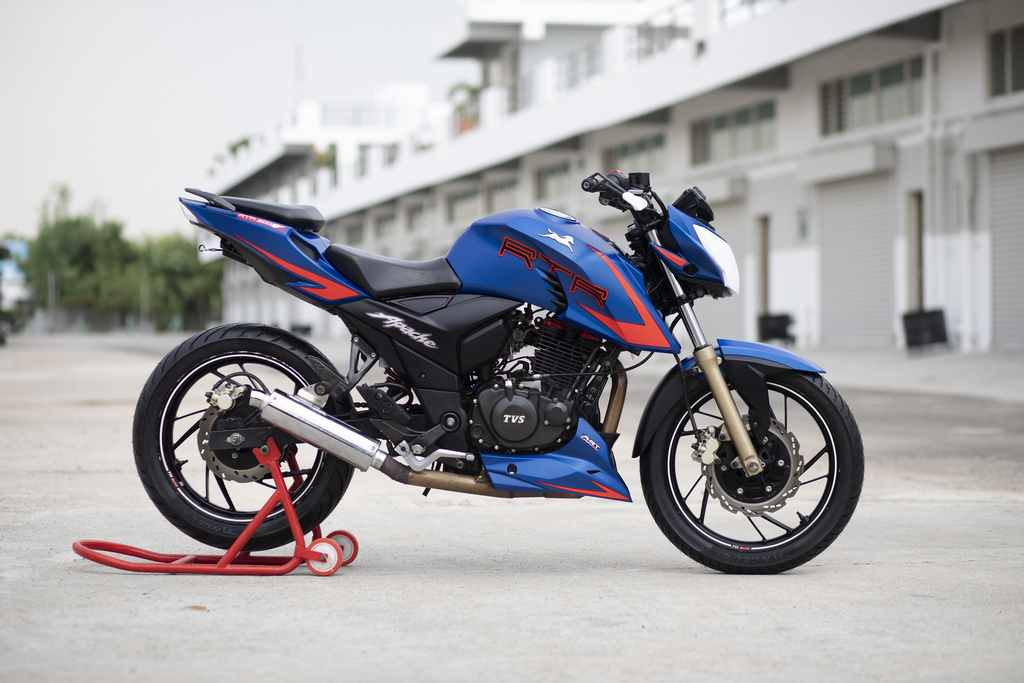 TVS Apache RTR 2004V Race Edition 2.0 with Slipper Clutch Race Spec
