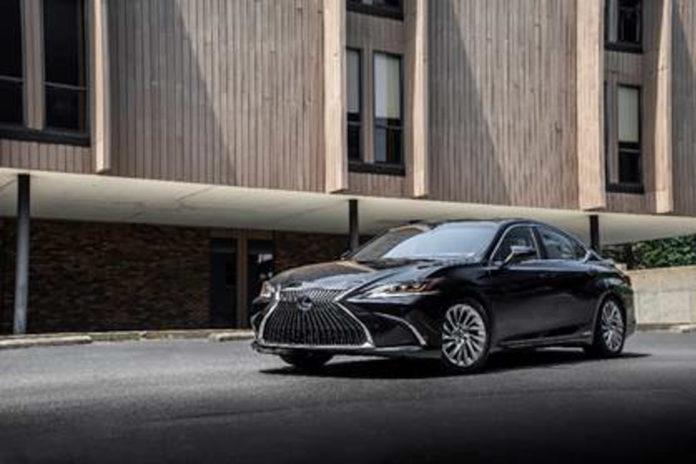 2018 Lexus ES 300h Launched In India, Price, Specs, Features, Interior, Booking