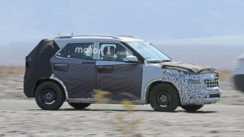 Hyundai QXI Compact SUV (Maruti Vitara Brezza Rival) Spied