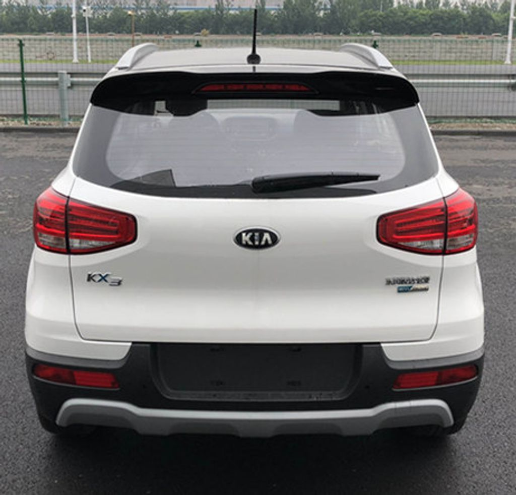 Kia-KX3-EV-spied-2