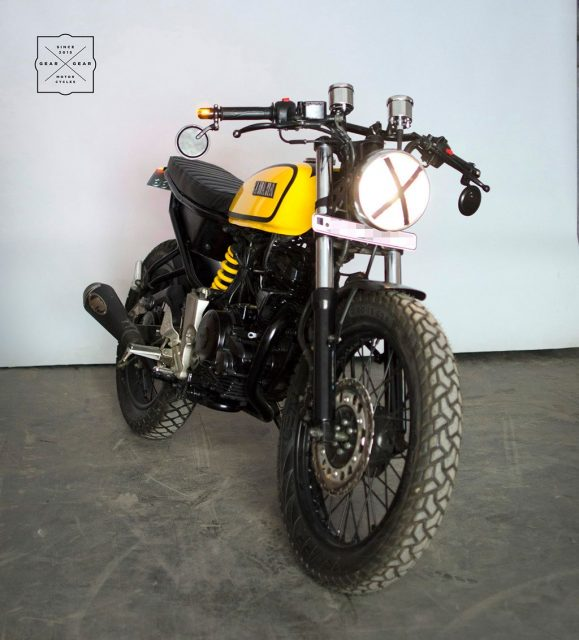 Yamaha-FZ-modified-with-RX100-design-theme