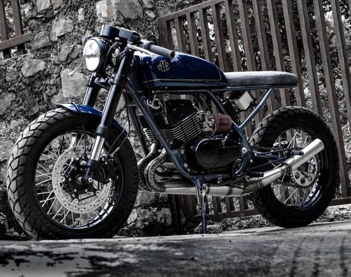 Modified Yamaha RD350 Café Racer
