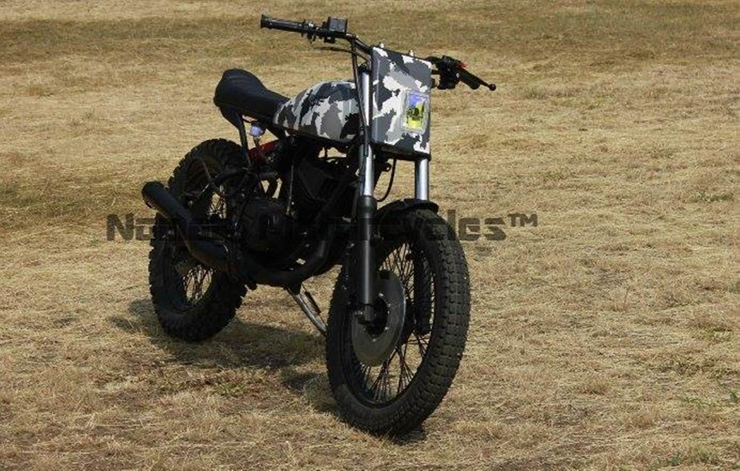 yamaha rx 100 scrambler is rebirth of an iconic stallion